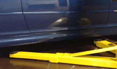 BendPak Symmetric ClearfloorLow-Pro™ Arms 2-Post Car Lift