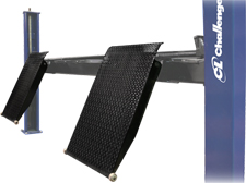 Challenger 44040 diamond plate approach ramps