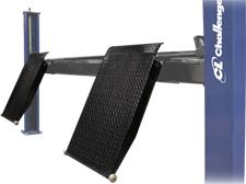 Challenger 44040 diamond plate approach ramps