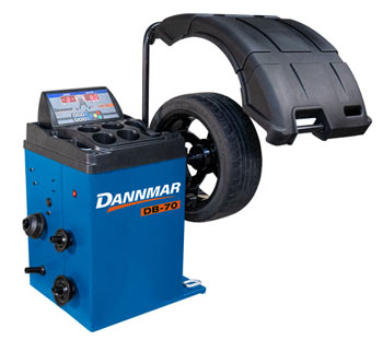Dannmar DB-70 Automatic Wheel Balancer