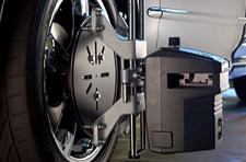 Tru Align TRU001 wheel alignment system Alignment Clamp attached