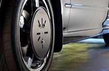 Tru Align TRU001 wheel alignment system plate attached